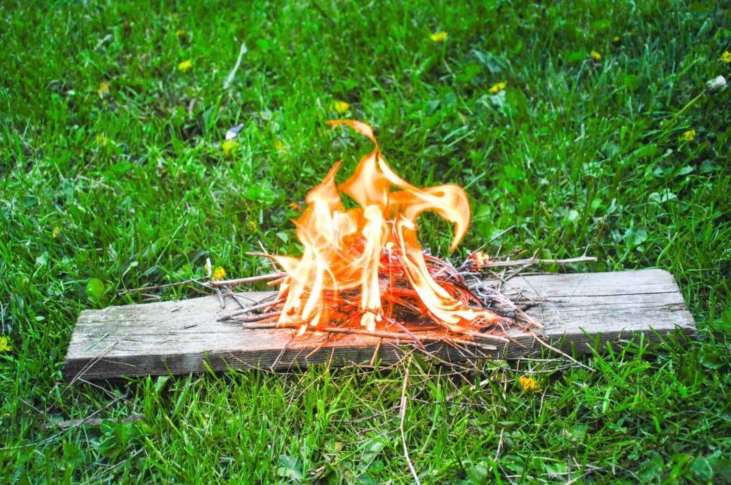 Как зажечь огонь без спичек