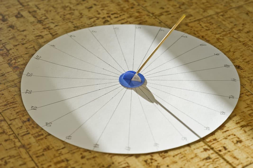 Солнечные часы изготовление
