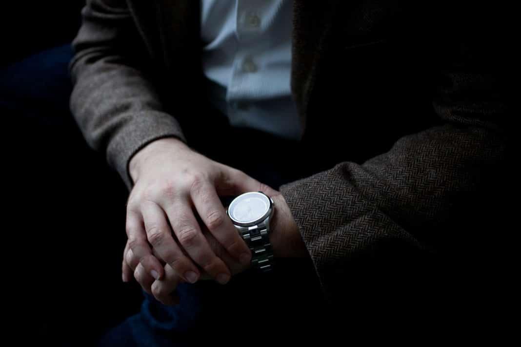 Определить место по широте и долготе с помощью часов