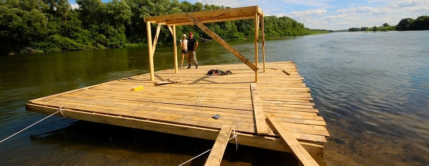 как построить плот для сплава по реке