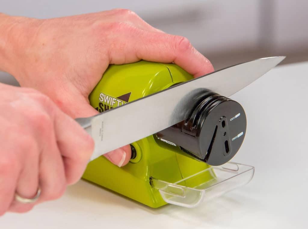 Заточка ножа роликовой точилкой