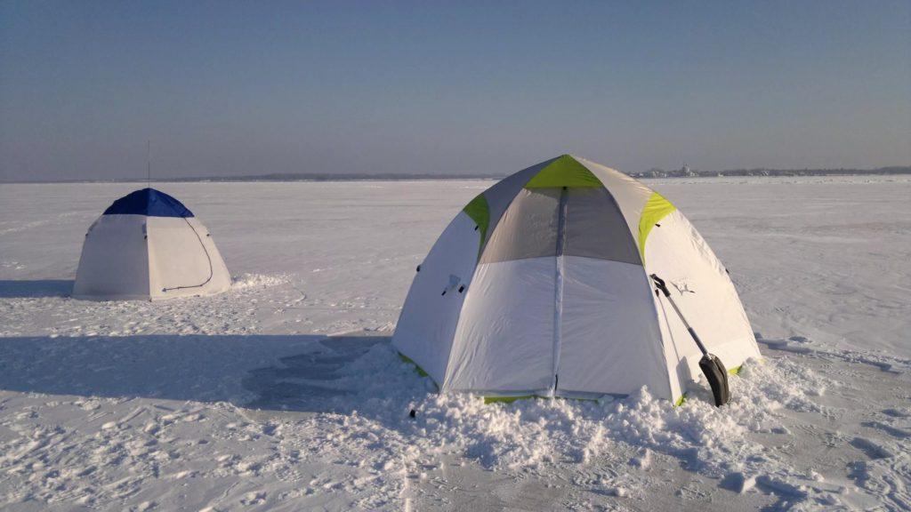 расположение палатки зимой