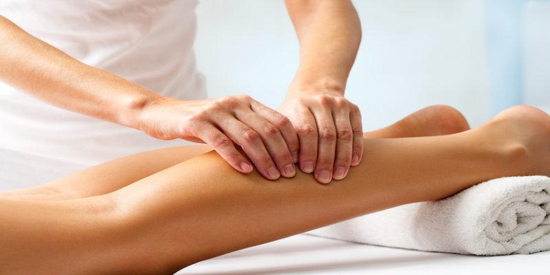 Массаж при судорогах успокаивает мышцы и возвращает им необходимый тонус