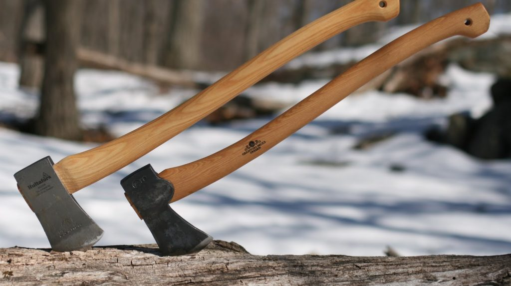 Топорище у охотничьего топора должно быть не меньше 50см