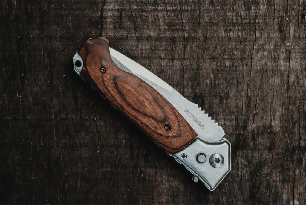 Является ли складной нож холодным оружием